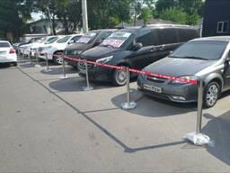 Дорожные ограждения барьеры для парковки стойки с лентой
