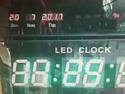 Электроные часы по перечислению