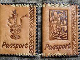 Кожаные паспортные обложки ручной работы.