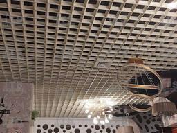 Потолоки Грильято в виде пирамиды