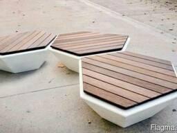 Скамейка SOTA из бетона с деревянным настилом